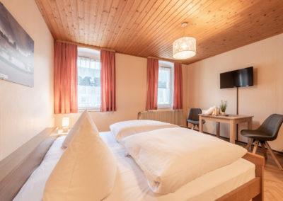 Landgasthof-Schicker-Doppelzimmer-005-
